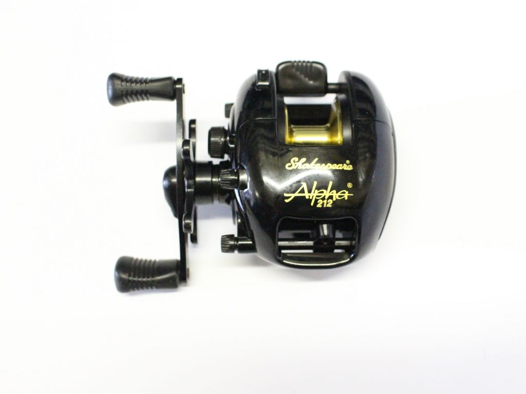 Shakespeare alpha 212 baitcast reel fishing reels for Baitcasting fishing reel