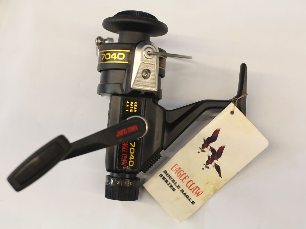 Eagle claw vintage double eagle 7040 fishing reels for Eagle claw fishing reels