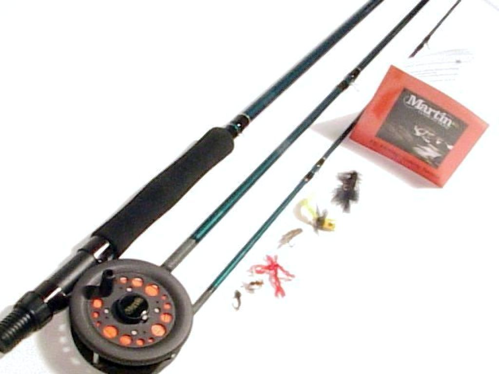 Martin complete fly rod with fly fishing kit fishandsave for Fly fishing combo kit
