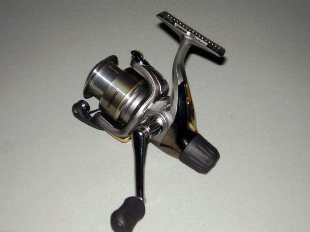 Shimano sidestab 2500re used fishing reels spinning for Used fishing reels