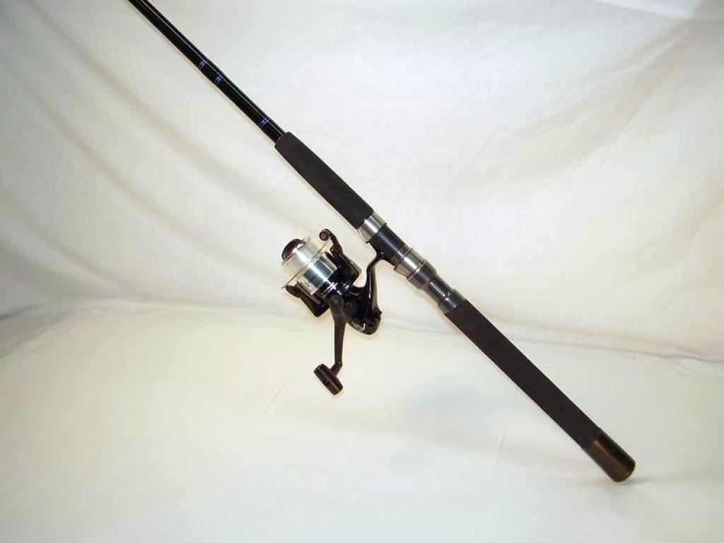 Penn roddy hunter pro 365 spinning reel w 7 39 roddy 15 30 for Roddy hunter fishing rod